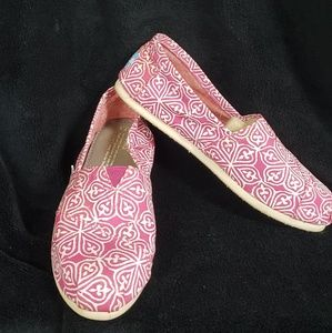 TOMS canvas slip-on shoes size 7.5